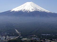 天上山から眺める富士山