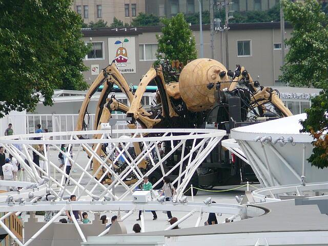 クモのロボット