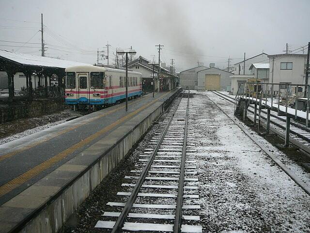 三木駅を出発